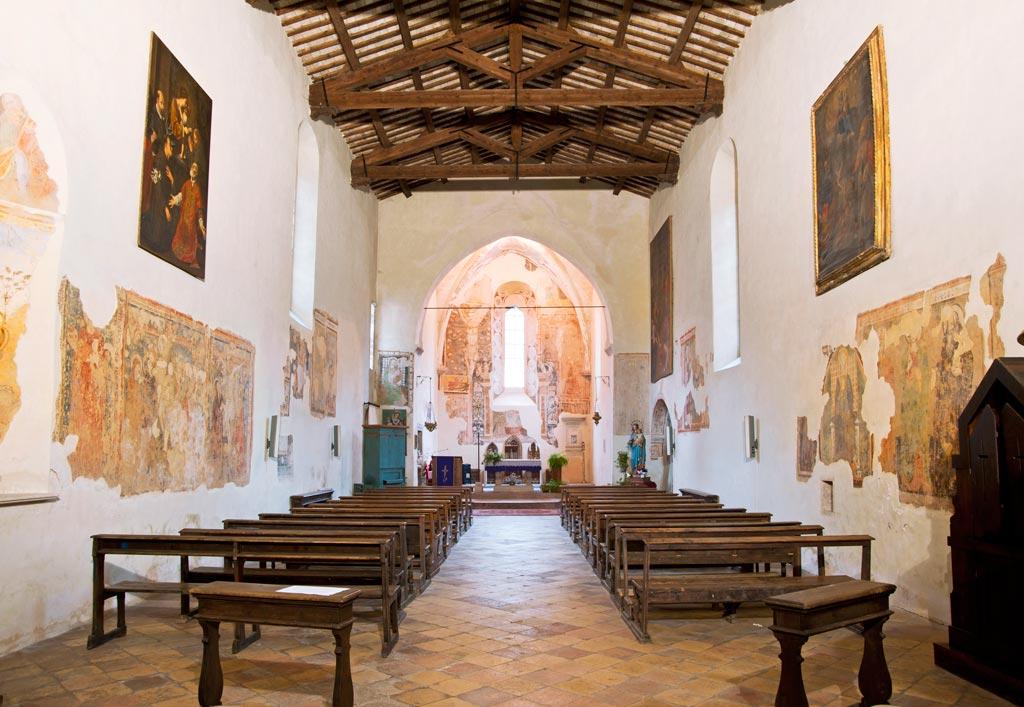 navata chiesa.jpg