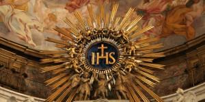 web3-ihs-christ-altar-statue-rome-romanus-too-cc1
